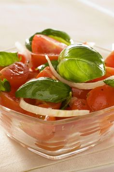 Weight Watchers Tomato Salad With Red Onion and Basil Recipe