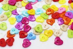 20 Heart Button Sew Through Plastic by boysenberryaccessory