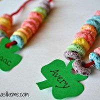 St. Patrick rainbow pattern necklaces…cute kindergarten or preschool math activity.