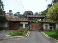 En alquiler casa con 4 habitaciones en Residencial privada Los Manantiales