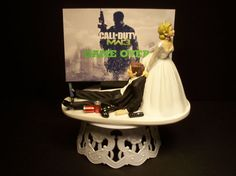 Video Game Call of Duty Modern War 3 Bride and Groom Funny Wedding Cake Topper Gamer Groom& Cake Wedding Cake Knife And Server Set, Funny Cake Toppers, Funny Wedding Cake Toppers, Gorgeous Cakes, How To Memorize Things, Budget Wedding, Wedding Venues, Wedding Ideas