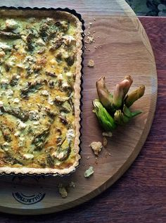 Waterblommetjie Quiche, made with an aquatic plant indigenous to South Africa. You can use broccoli or asparagus in its place. #vegetarians #tarts #pies