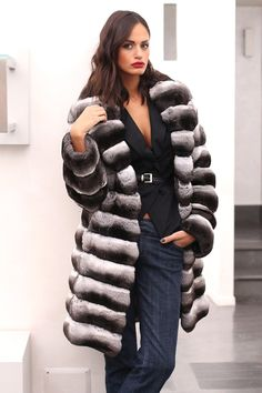 Chinchilla Fur Coat with whole skins. Made in Italy. Skins Quality: VELVET; Color: Black-Grey-White; Collar: Rever Closure: With hooks; Lining: 100% Satin; Lining Color: Fantasy, Multicolor; Length: 90 cm;