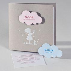 Geboortekaart grijs met wit silhouet meisje en opplakwolkje