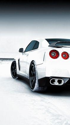 Nissan GTR Snowy Field http://theiphonewalls.com/nissan-gtr-snowy-field/