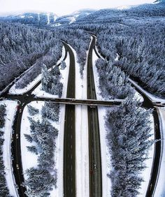 Snoqualmie Highway Washington :@michaelmatti | #DRONEMULTIMEDIA Use it to be featured!  Follow us at: @drone_multimedia  Thanks in advance for your likes and comments   #gopro #phantom3 #fpv #sky #view #inspire1 #phantom  #startupbusiness #startup #entrepreneur #entrepreneurship #quad #realtor #realestate #realestatefl #realtors #kickstarter #photography #videography #multimedia #quadcopter #uav #pilot #aerial #media #dji #dronestagram #phantom1 #droneoftheday by drone_multimedia