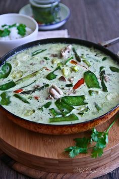 Made From Scratch: Thai Green Curry Paste & Thai Green Chicken Curry Curry Recipes, Asian Recipes, Vegetarian Recipes, Cooking Recipes, Healthy Recipes, Thai Cooking, Thai Recipes, Thai Green Chicken Curry, Thai Green Curry Paste