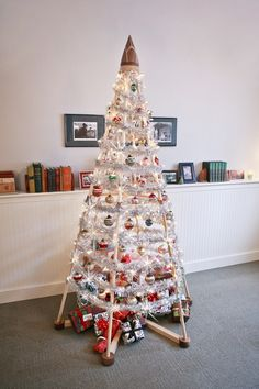 Alternative decorated Christmas Trees | ... Has Emerged For Those In Search of An Alternative Christmas Tree