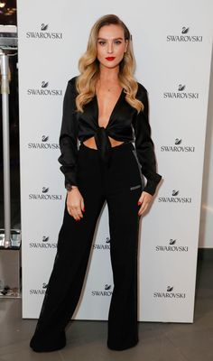 Little Mix beauty Perrie Edwards put on a sizzling display on Thursday night as she joined Millie Mackintosh for the Swarovski's store opening on London's Oxford Street. Little Mix Perrie Edwards, Perrie Edwards Style, Little Mix Outfits, Little Mix Style, Little Mix Girls, Jesy Nelson, Little Mix Photoshoot, Celebrity Look, Celebrity News