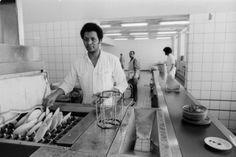 Keuken van het #Dijkzigtziekenhuis, #Rotterdam (1979) Photo by Robert de #Hartogh