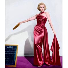 """Divine beauty in a costume test for """"How To Marry a Millionaire"""". Marilyn Monroe Portrait, Marilyn Monroe Poster, Marilyn Monroe Painting, Marilyn Monroe Photos, Betty Jean Harris, Old Hollywood Stars, Hollywood Glamour, Hollywood Costume, Bridesmaid Inspiration"""