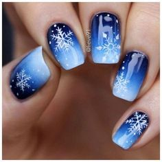 Gorgeous blue and snowflake nail art design, winter nail art design - Nageldesign - # Xmas Nails, Holiday Nails, Christmas Nails 2019, Winter Nail Art, Winter Nails, Winter Art, Winter Snow, Winter 2017, Snowflake Nail Art