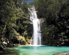 Cachoeira Santa Bárbara (Cavalcante - GO) A cachoeira da Santa Bárbara é uma das mais visitadas na Chapada dos Veadeiros. Para chegar até a cachoeira da Santa Bárbara percorrem-se 5 km de trilhas passando por uma região de subtipos de cerrado.