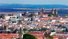 Évora Bilbao, Places In Portugal, Tour Operator, Europe Destinations, Travel Agency, Lisbon, Paris Skyline, The Good Place, Dolores Park