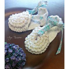 Bebek sandaletleri...