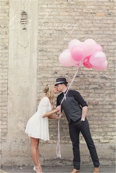 Balloon engagement | Kate Harvey Photography | Minnesota engagement photography