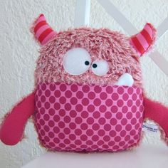 Amazing Home Sewing Crafts Ideas. Incredible Home Sewing Crafts Ideas. Felt Crafts, Fabric Crafts, Sewing Crafts, Sewing Projects, Kids Crafts, Softies, Monster Dolls, Felt Monster, Couch Monster
