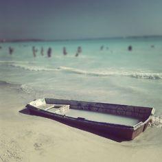 Abandoned boat !!