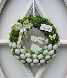 Osterkranz Ostern Trdeko Dekokranz Eierkranz Mooskranz 25 cm in Mbel amp; Deco Wreaths, Holiday Wreaths, Easter Wreaths Diy, Easter Activities, Easter Holidays, Diy Wreath, Wreath Ideas, Spring Crafts, Easter Crafts