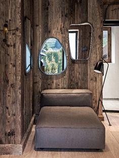 Maison HAND - chalet Mégève - photos Felix Forest Wooden Cabins, Wall Finishes, Decoration, Cottage, Interior Design, Furniture, Home Decor, Mood, Photos