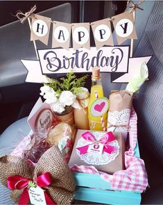 Cute Birthday Gift, Gold Birthday, Birthday Board, Happy Birthday, Breakfast Basket, Bouquet Box, Valentines Surprise, Gift Crates, Party In A Box
