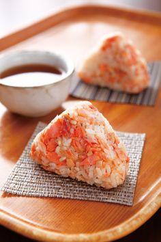 salmon rice ball #recipe in Chinese