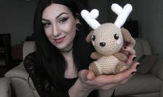 Amigurumi Deer (Free Pattern) video, with freebie link - thanks so xox  ☆ ★  https://www.pinterest.com/peacefuldoves/