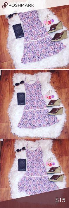 ☀️ Summer Dress Purple & Pink parsley print summer dress. NWOT. Spaghetti strap. Open back. Size small. Beautiful pattern. Super cute!! Topshop Dresses Mini
