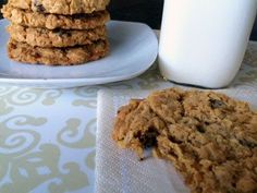 When we make cookies at our house, chocolate chip cookies are usually the go-to. It had been forever since I had made oatmeal cookies and thought this baking project would Cookie Recipes, Snack Recipes, Snacks, Christmas Entertaining, Oatmeal Chocolate Chip Cookies, How To Make Cookies, Christmas Baking, Sweet Tooth, Dishes