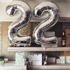 Happy Birthday Signs, 22nd Birthday, Birthday Wishes, Birthday Decorations, Birthday Ideas, Elegant Birthday Party, Ideas Para, Birthdays, Party Ideas