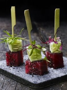 food art w Ahi Tuna and cucumber.links on to a beautiful Food Photography Site! Aperitivos Finger Food, Antipasto, Food Design, Food Presentation, Food Plating, Appetizer Recipes, Sushi Recipes, Chefs, Finger Foods