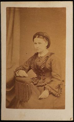 CDV Photo Woman Wide Skirt Sleeves by Yeager Reading Pennsylvania PA 1860s