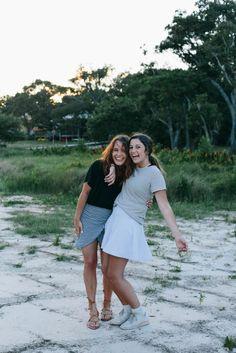 The Little Duckwife Beach Trip 2017 Bella Robertson, Mary Kate Robertson, Giada De Laurentiis, Best Friend Goals, Best Friends, Dressing, Gal Pal, Bff Pictures, Best Friend Pictures