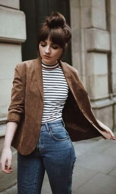 Look Blazer + Striped Blouse, Winter Outfits, Look Blazer + Striped Blouse. Winter Outfit For Teen Girls, Casual Winter Outfits, Casual Sunday Outfit, Casual Outfits For Teens School, Casual Hair, Trendy Hair, Look Blazer, Striped Blazer Outfit, Brown Blazer