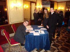 Il segretario Marco Ardengo durante la fase di registrazione dei concorrenti al welcome desk - V° GPAV @ Hotel Amadeus di Venezia.