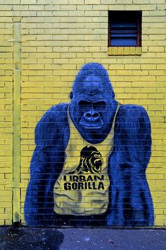 Urban Gorilla, street art located in Brunswick (Melbourne, Australia) Graffiti Art, Murals Street Art, 3d Street Art, Urban Street Art, Amazing Street Art, Street Art Graffiti, Street Artists, Urban Art, Amazing Art