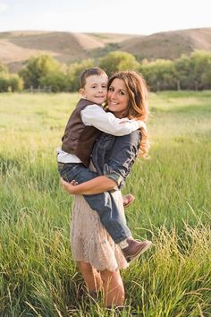 Mother and son photo. Family photography. Country photos. Western photography.  Karimariephotography