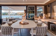 The 7 exclusive journal Lagoon Seventy 8 : 24 mètres d'excellence française. Luxury Yacht Interior, Luxury Yachts, Luxury Cars, Catamaran Design, Yacht Design, Yatch Boat, Living On A Boat, Models, Interior Design