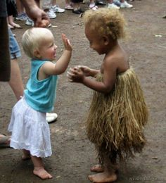 New funny pictures for kids so cute children ideas Precious Children, Beautiful Children, Beautiful Babies, Beautiful World, Beautiful People, Happy Children, Children Toys, Vanuatu, Whatsapp Animated Gifs