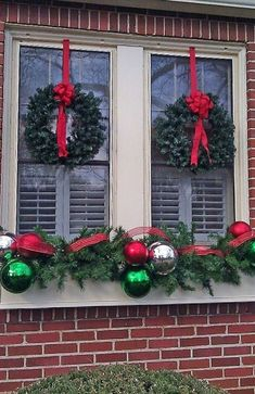 120 Christmas DIY Decorations Easy and Cheap Christmas Window Decorations, Chris… – Outdoor Christmas Lights House Decorations Christmas Window Boxes, Christmas Window Decorations, Noel Christmas, Christmas Projects, Winter Christmas, Outdoor Decorations, Elegant Christmas, Outdoor Ideas, Christmas Ideas
