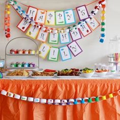 printable party for cheap! Might have to forgo the TomKat Studio this year...