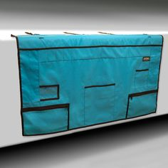 Table Skirts, with pockets or without, are used under Show Shelters, or in conjunction with our Grooming Station to give your exhibitor set-up a uniform look. The multi-pocket model has ?? pockets to organize and store supplies, literature, treats, toys and more.