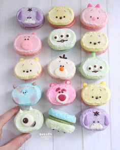Which one is your favorite ? Macaroon Cookies, Meringue Cookies, Macaroons, Disney Desserts, Cute Desserts, Disney Inspired Food, Disney Food, Tsum Tsum Party, Comida Disney