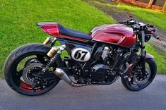 See a couple of my most favorite builds - custom made scrambler bikes like this Yamaha Cafe Racer, Moto Cafe, Cafe Bike, Cafe Racer Motorcycle, Custom Street Bikes, Custom Sport Bikes, Custom Motorcycles, Custom Cafe Racer, Cafe Racer Build