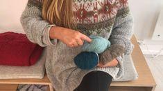 Mitt restegarnprosjekt - SKAPPEL - Se video og oppskrift her Video Thumbnail, Diy And Crafts, Pullover, Sweaters, Hobby, Westminster, Threading, Sweater, Sweatshirts