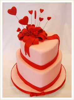 Very pretty Valentine cake!