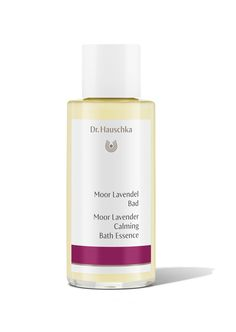 Moor Lavender Calming Bath Essence. This finely aligned product with horse chestnut and horsetail extracts is based on a moor extract prepared using a special rhythmic procedure. When combined with warm water, it offers a sense of enveloping protection. Almond and avocado oil gently moisturise your skin.