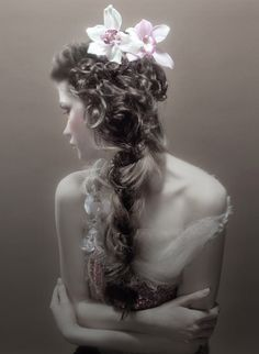 Victorian Renaissance Pretty Hair with Flowers
