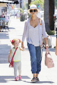 www.momolo.com #momolo #fashionkids #modainfantil Jessica Alba  Haven: Playtime At The Park with Grandma