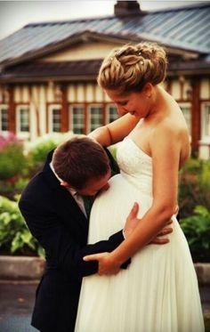 ❤❤pregnant bride ❤ so perfect!